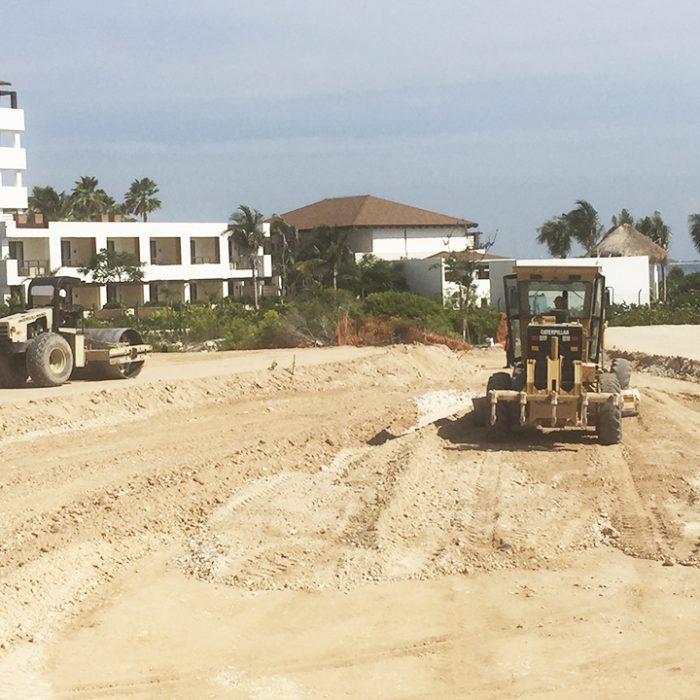 Terracerías y formación de plataforma para la construcción de un hotel bajo la marca de Dreams Playa Mujeres